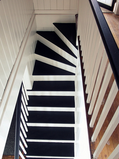 Lovely Black And White Painted Staircase Makeover, Chapter37 On Remodelaholic.com