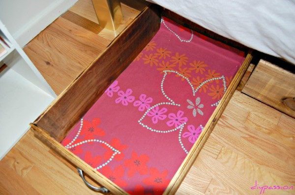 fabric to line underbed rolling storage crate, DIY Passion on Remodelaholic