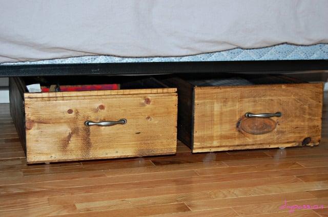 remodelaholic build your own rolling under bed storage crates. Black Bedroom Furniture Sets. Home Design Ideas