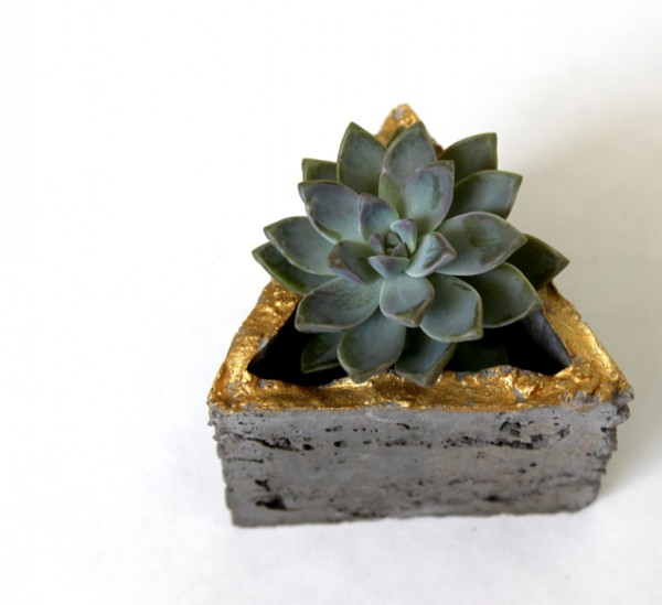 triangular geometric concrete planter, A Piece of Rainbow on Remodelaholic