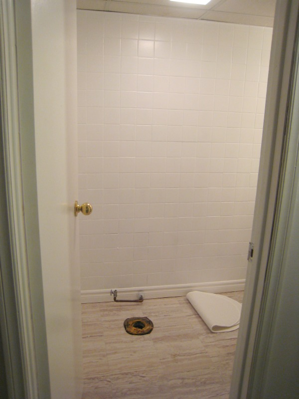 Painting Bathroom Tile Floor remodelaholic | a $170 bathroom makeover with painted tile