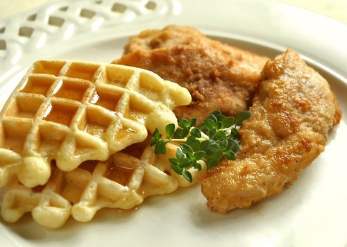 Chicken and Waffles with Sweet and Spicy Mayo