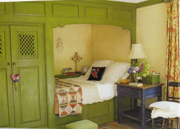 green-bed-nook-hydrangea-hill-cottage