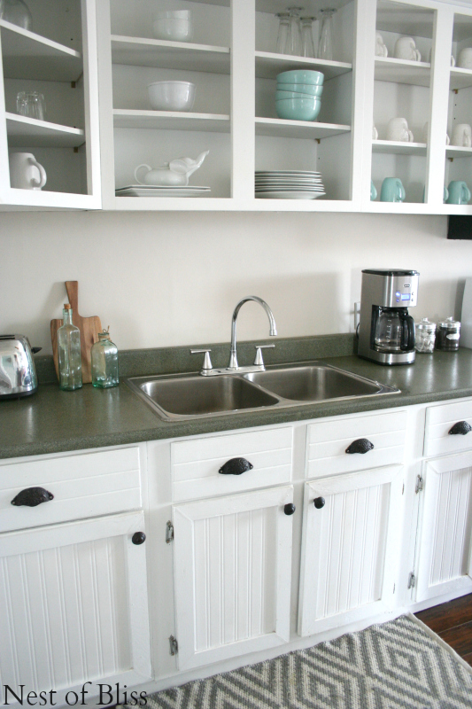 remodelaholic | how to spray paint faux granite countertops