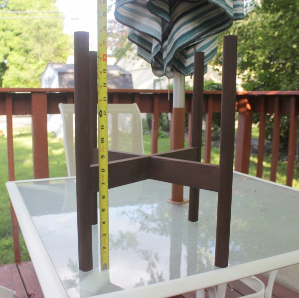 How to Build a Planter Stand | Home Coming for Remodelaholic.com