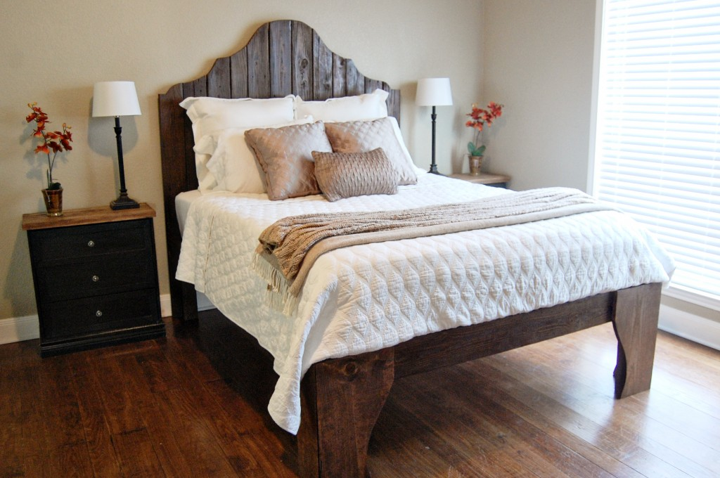Great diy rustic wood bed and headboard The Accent Piece on Remodelaholic