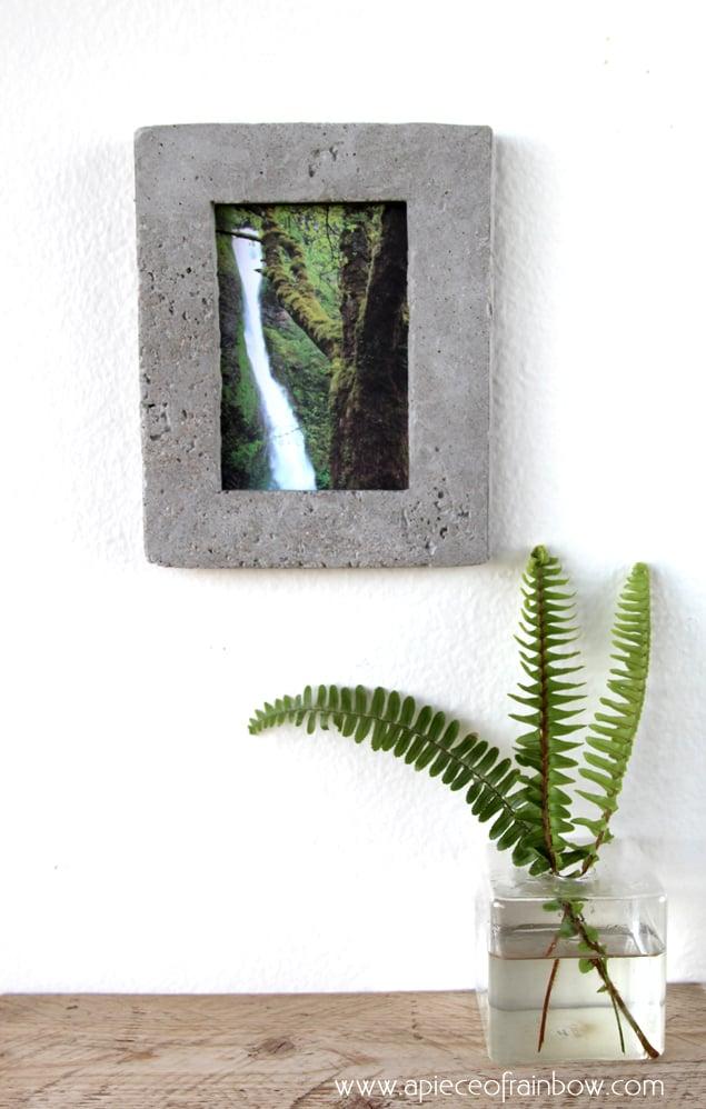Remodelaholic | DIY: Concrete Picture Frame