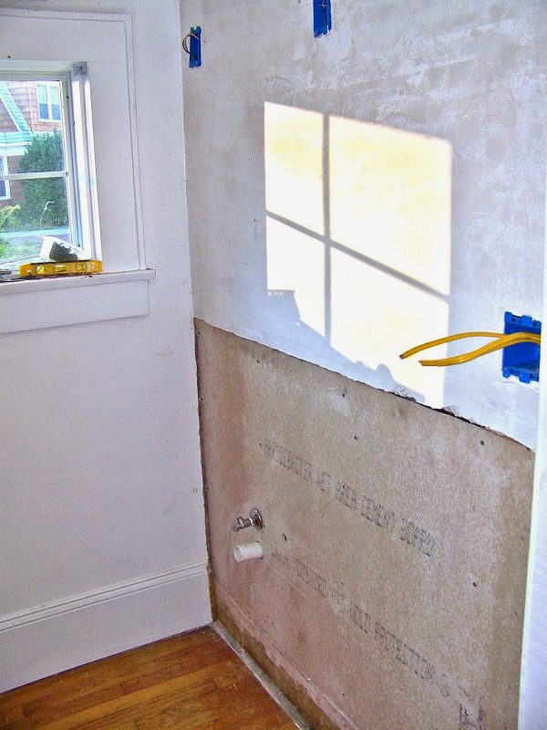 complete bathroom remodel 03, Seesaws and Sawhorses on Remodelaholic