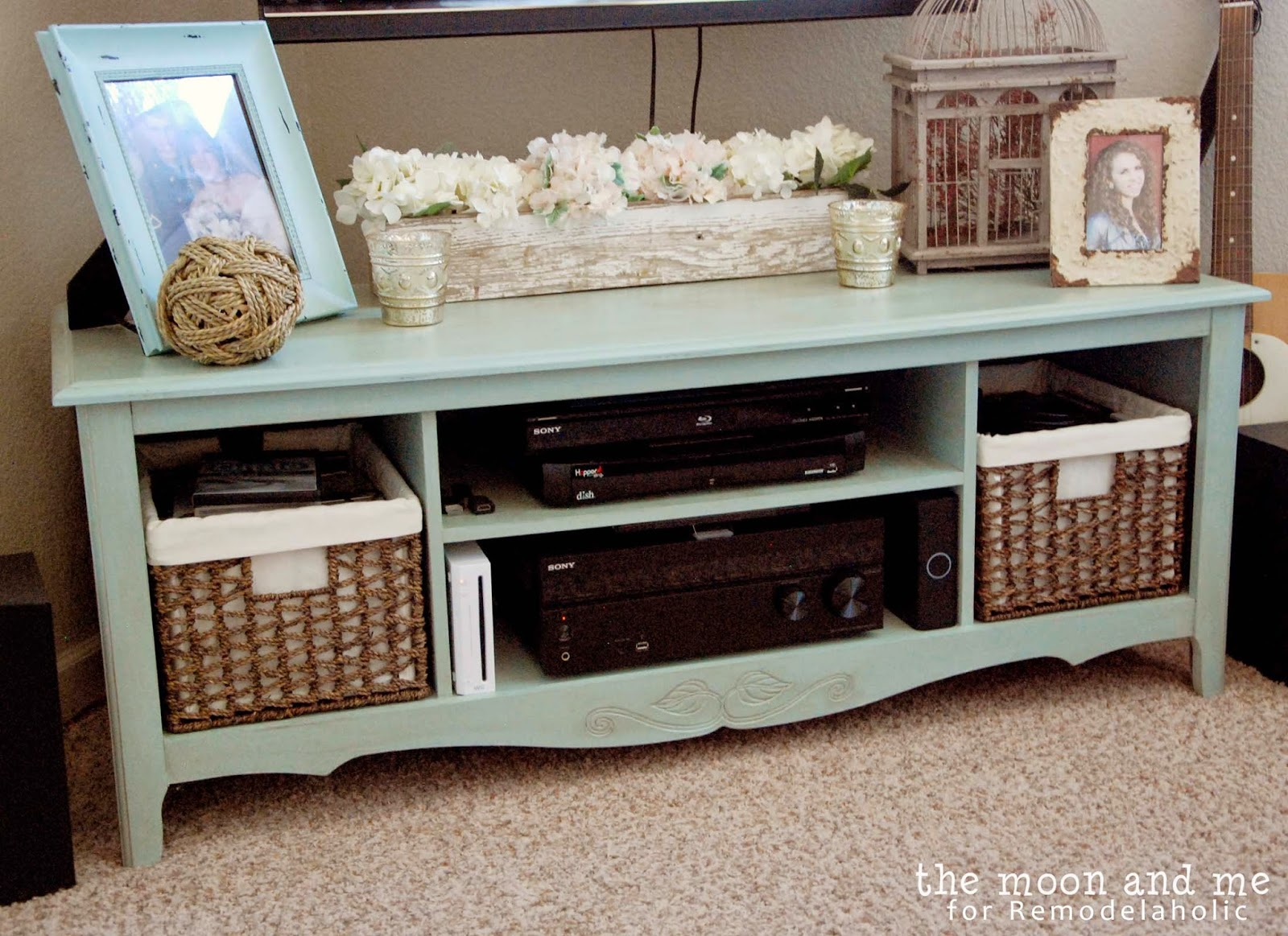 Turn An Entertainment Center Into A Tv Console Table  # Table Pour La Television