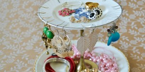 feature Jewelry-stand-diy