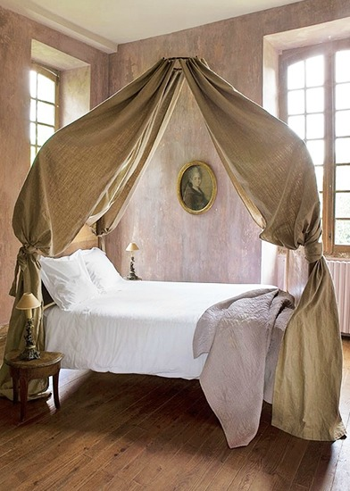 Superior Floating Bed Canopy Domaine Home