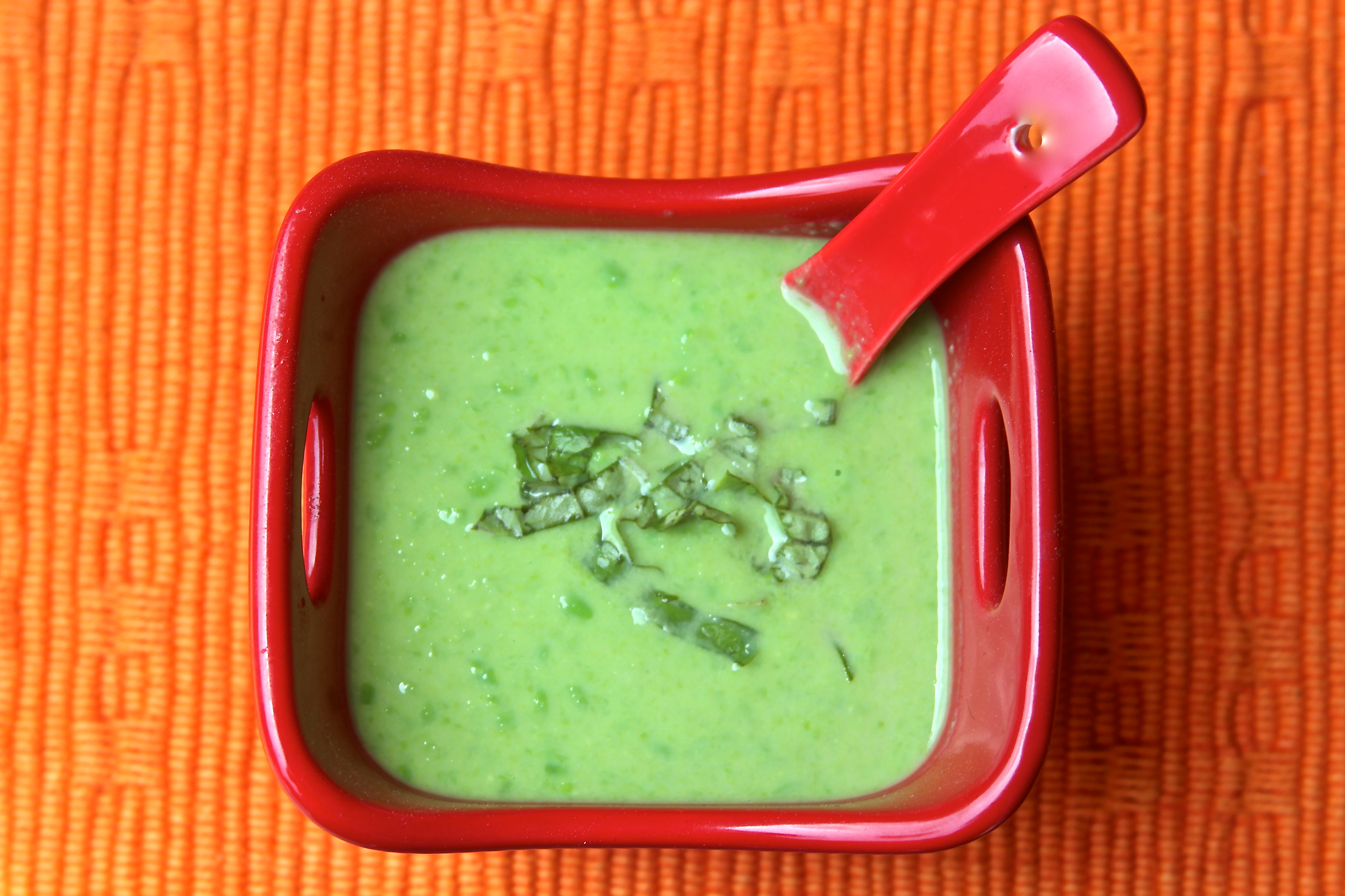 Sweet Pea and Basil Soup