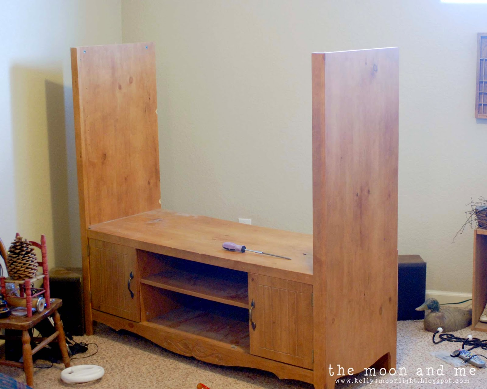 Remodelaholic turn an entertainment center into a tv console table - Simple ways of revamping your old sofa ...