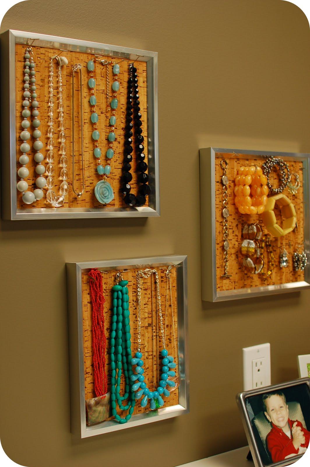 Remodelaholic 36 creative ways to organize jewelry - Clever diy ways keep jewelry organized ...