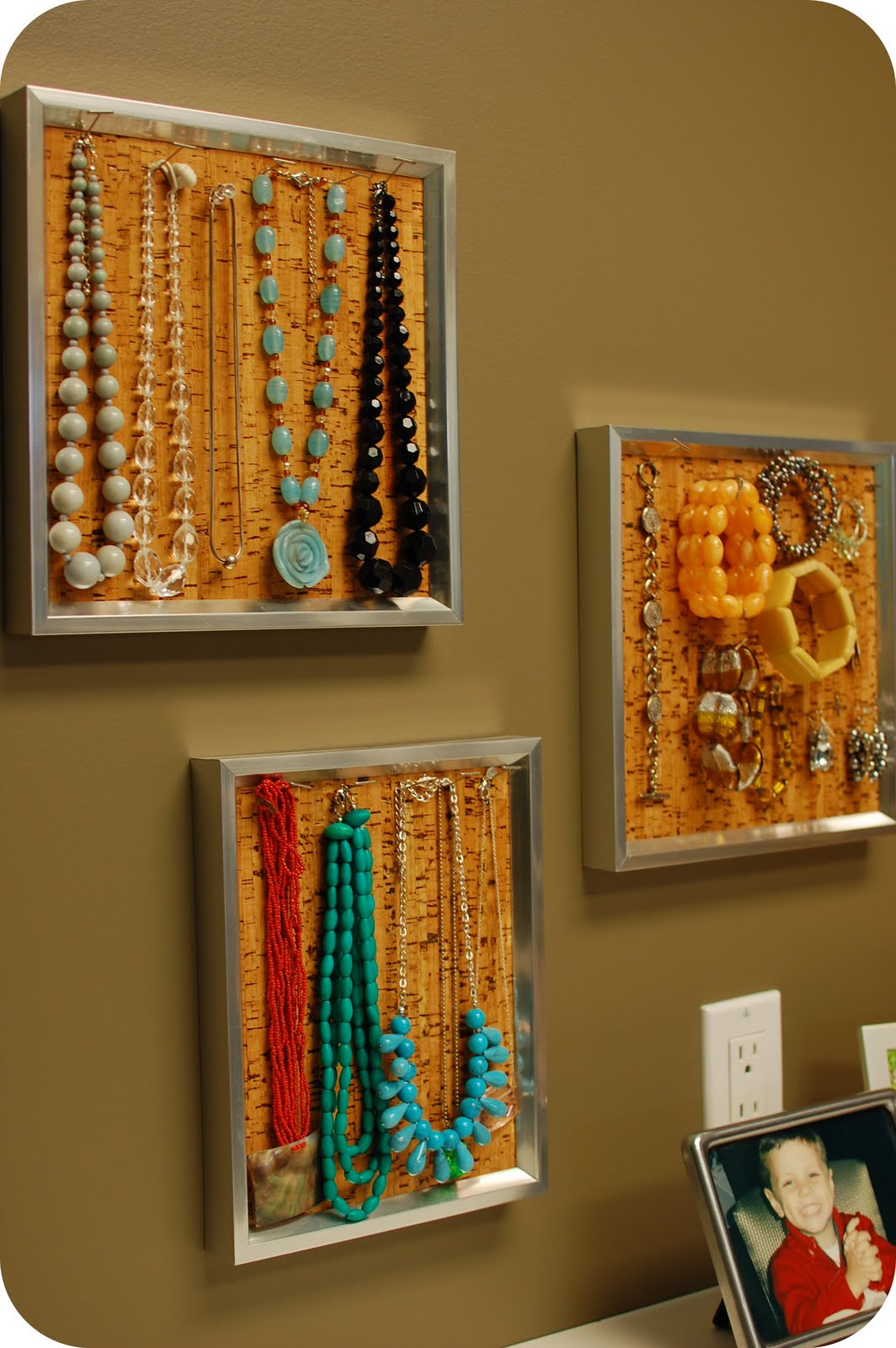 Remodelaholic 36 Creative Ways To Organize Jewelry
