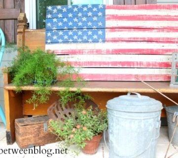DIY Pallet Slat Flag