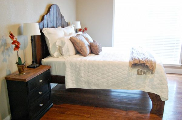 rustic wood bed and headboard tutorial, The Accent Piece on Remodelaholic