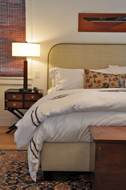 simple rounded rectangle upholstered headboard via Velvet and Linen