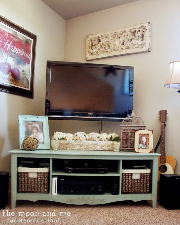 Turn an old entertainment center into a TV console table | The Moon and Me featured on Remodelaholic.com #upcycle #revamp