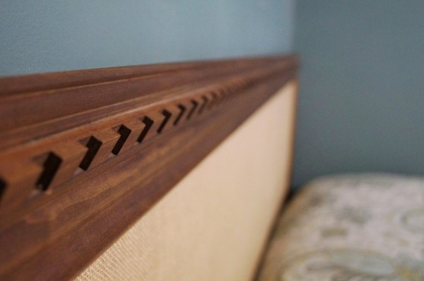 wood trim detail on diy easy headboard, Do Not Disturb This Groove on Remodelaholic