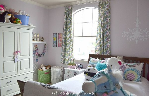 Decorating a Tween Girls Room and Storing Toys