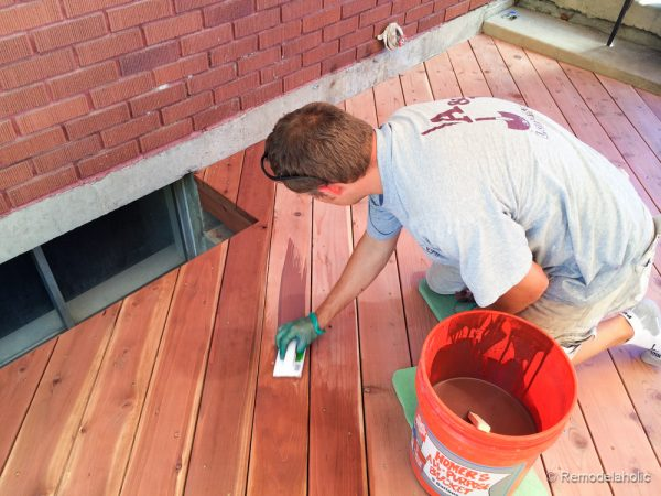 Tips for how to stain a deck @remodelaholic (3 of 15)