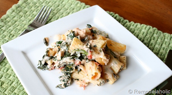 Cheesy Spinach and Chicken Bake