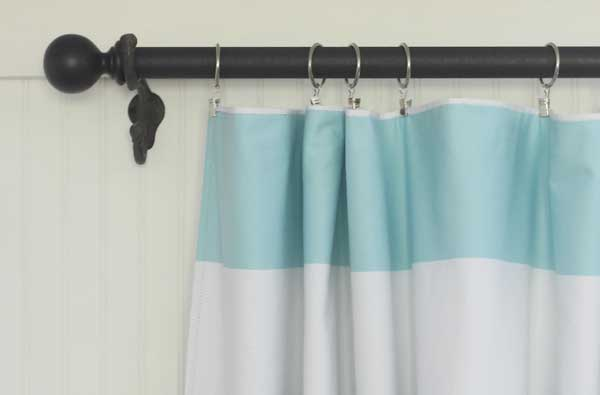 diy curtain rod Shabby Creek Cottage via Remodelaholic