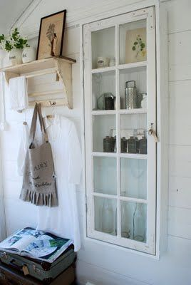 Remodelaholic 100 ways to use old windows for Decoration avec vieille fenetre