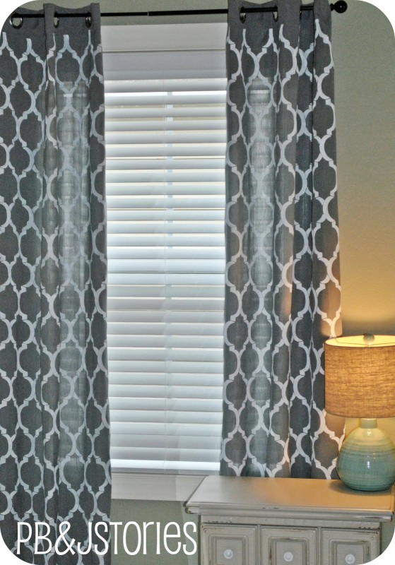 PBJ Stories - diy trellis painted curtains - via Remodelaholic