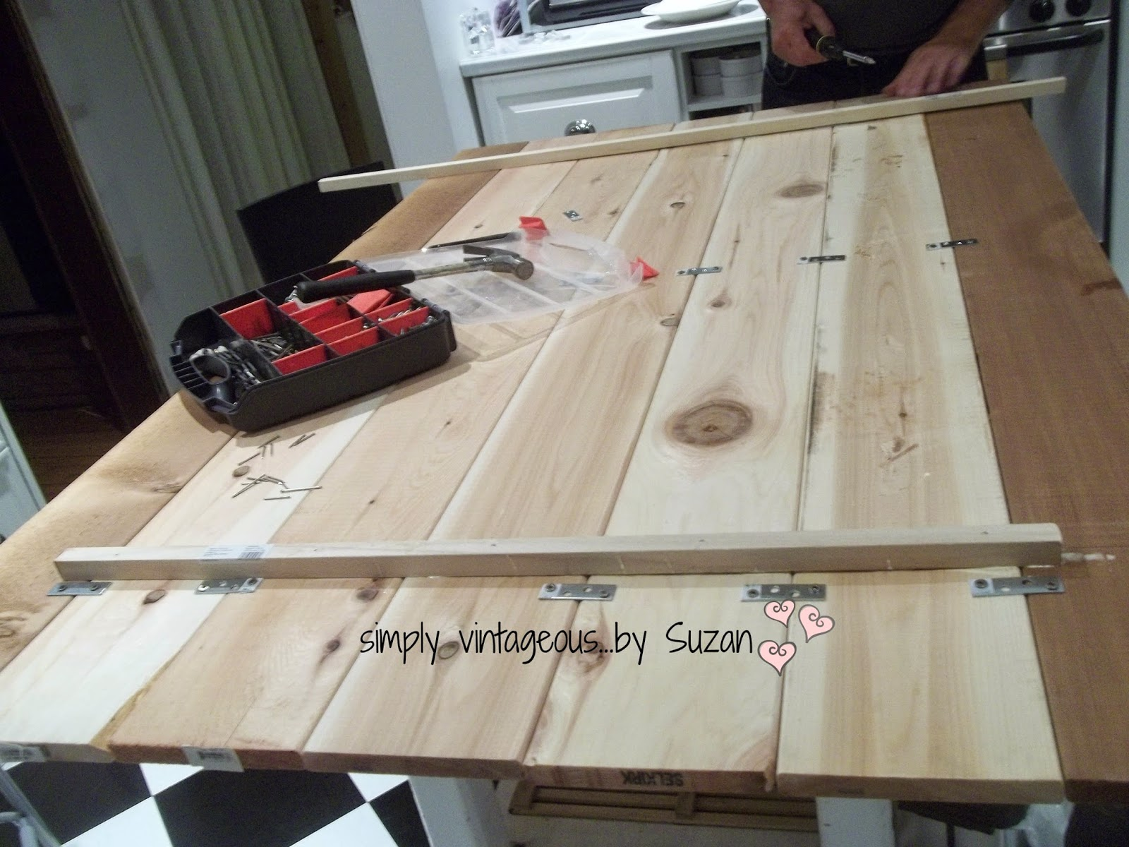 Remodelaholic 22 Wood Inspired Diy Projects October