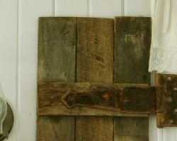 feature interior barn wood shutter tutorial, Prodigal Pieces on Remodelaholic