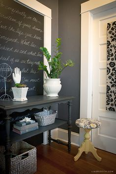 Wallcolor is Peppercorn Sherwin Williams.  Lia Griffith