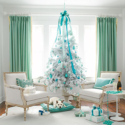 bright turquoise blue christmas tree - Southern Living via @Remodelaholic