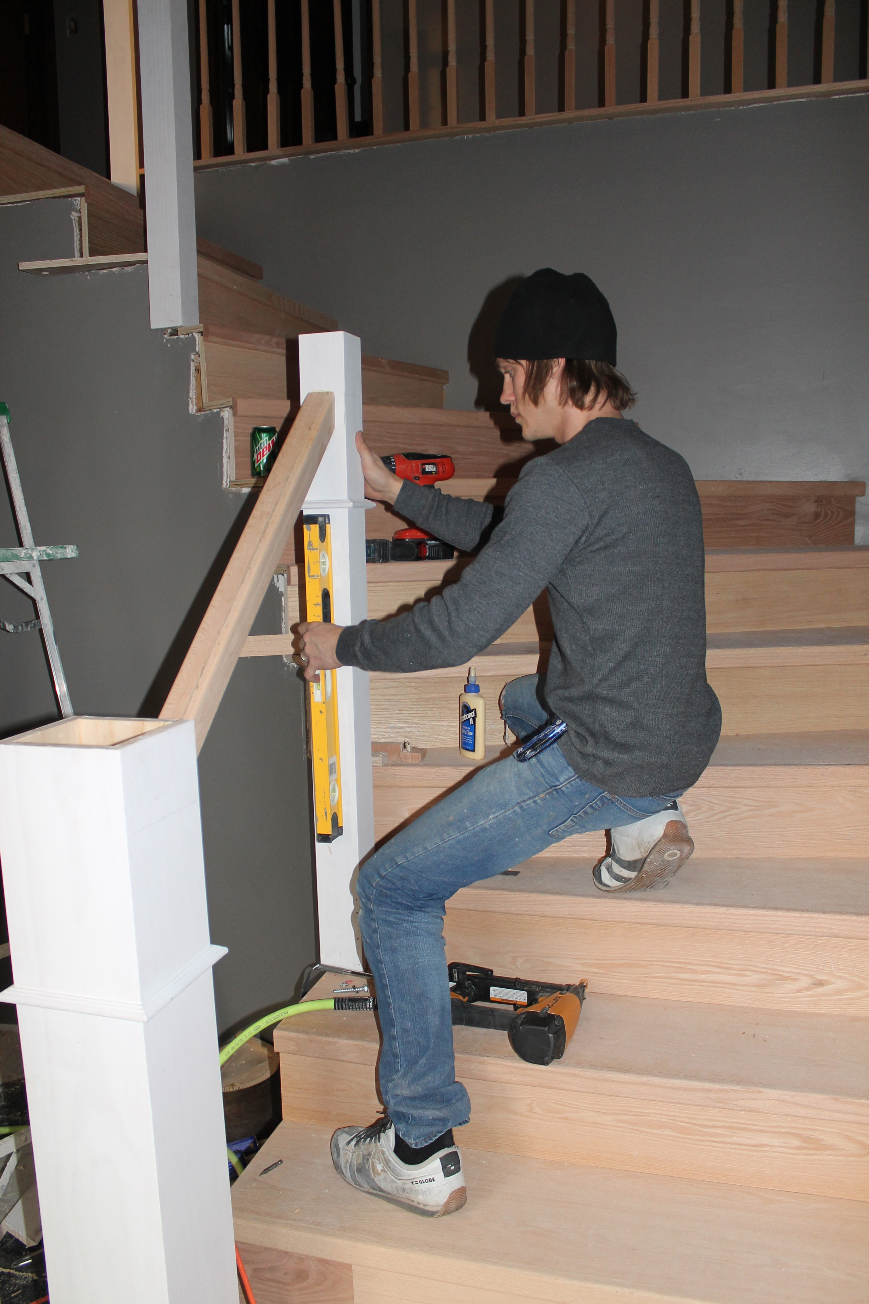 Build And Install A New Wood Stair Handrail   Construction2Style Via  @Remodelaholic