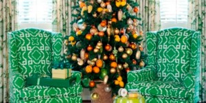 feature citrus yellow and orange christmas tree - Tobi Fairley via @Remodelaholic