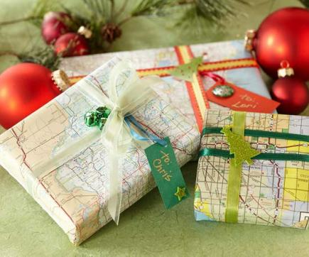 Remodelaholic 25 upcycled and low cost gift wrapping ideas gift wrap with maps gumiabroncs Image collections