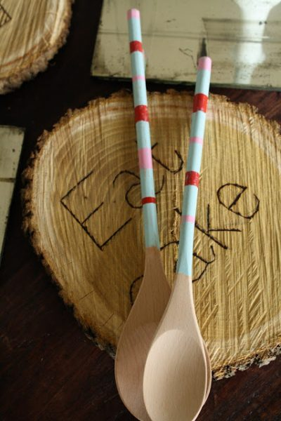 holiday gift idea - painted wooden spoonts