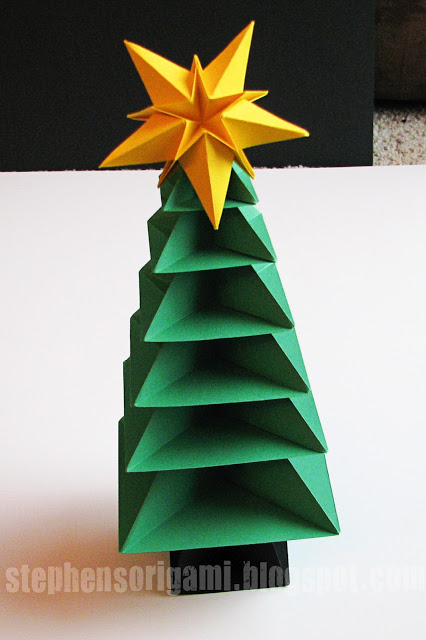 paper origami Christmas tree tutorial, Stephen's Origami via Remodelaholic