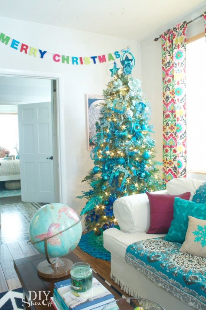 peacock blue christmas tree the diy show off via remodelaholic - Peacock Blue Christmas Decorations