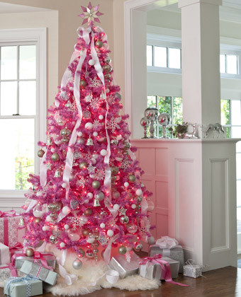 pink christmas tree via @Remodelaholic