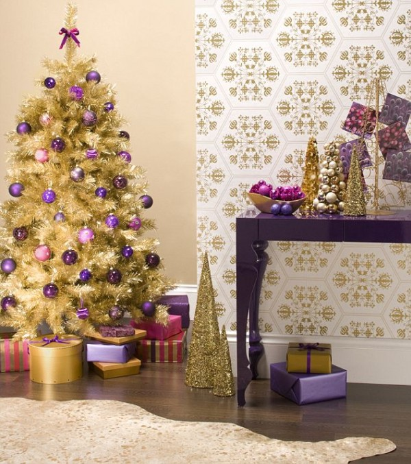 purple and gold christmas tree - Daily Mail via @Remodelaholic