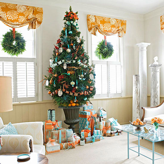 turquoise and orange christmas tree - BHG via @Remodelaholic