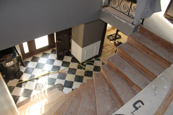 wood staircase remodel - Construction2Style via @Remodelaholic