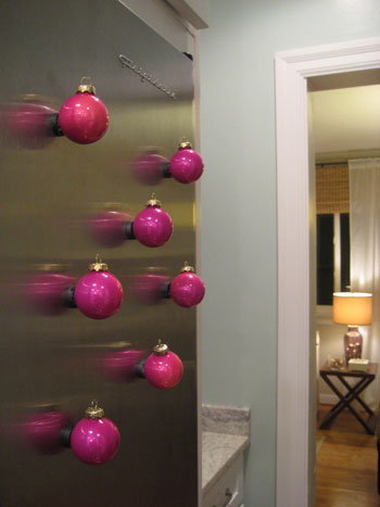 diy magnet ornaments - Young House Love via @Remodelaholic