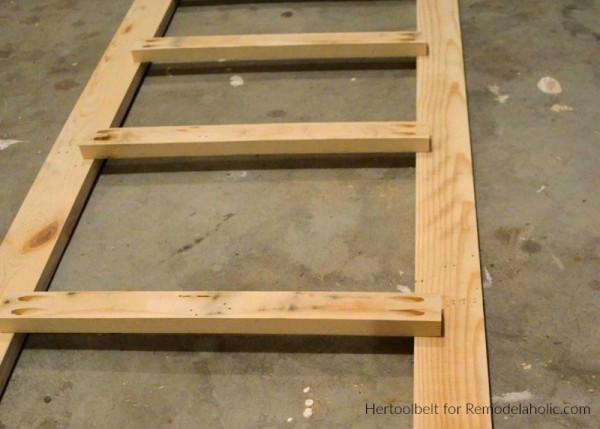 Easy Diy Blanket Ladder, Beginner Pocket Hole Joinery, HerToolbelt For Remodelaholic