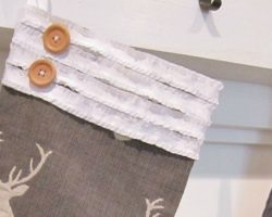 feature DIY no sew stockings for Christmas - The Honeycomb Home on @Remodelaholic