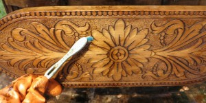feature tips for refinishingcarved wooden furniture - Beckwith's Treasures on @Remodelaholic