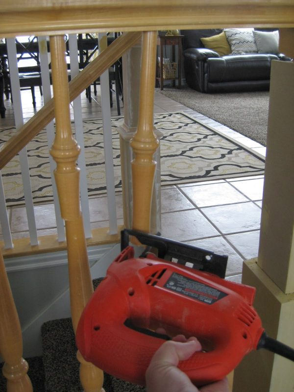 how to remove stair banister spindles - TDA Decorating and Design featured on @Remodelaholic