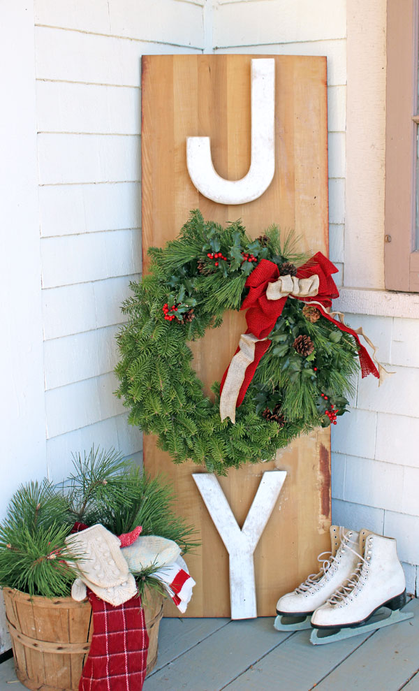 oversized joy sign for the porch fynes designs via remodelaholic